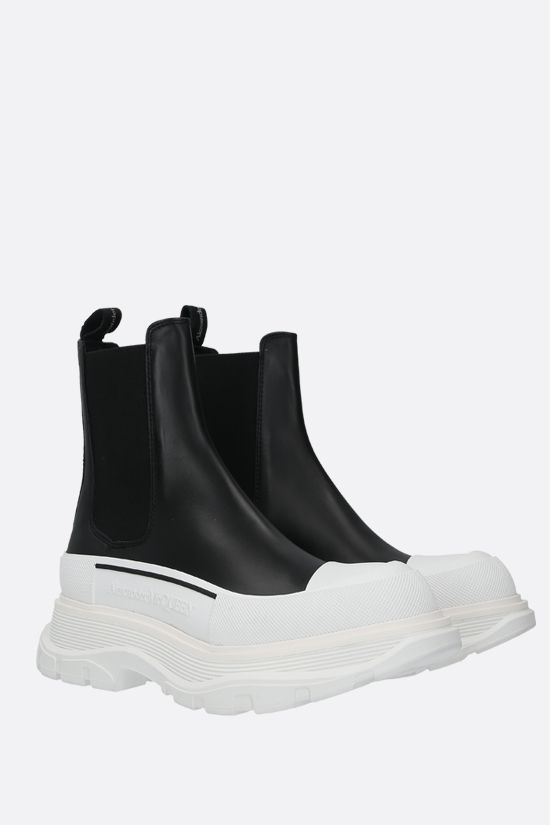 ALEXANDER McQUEEN: Tread smooth leather chelsea boots Color Black_2