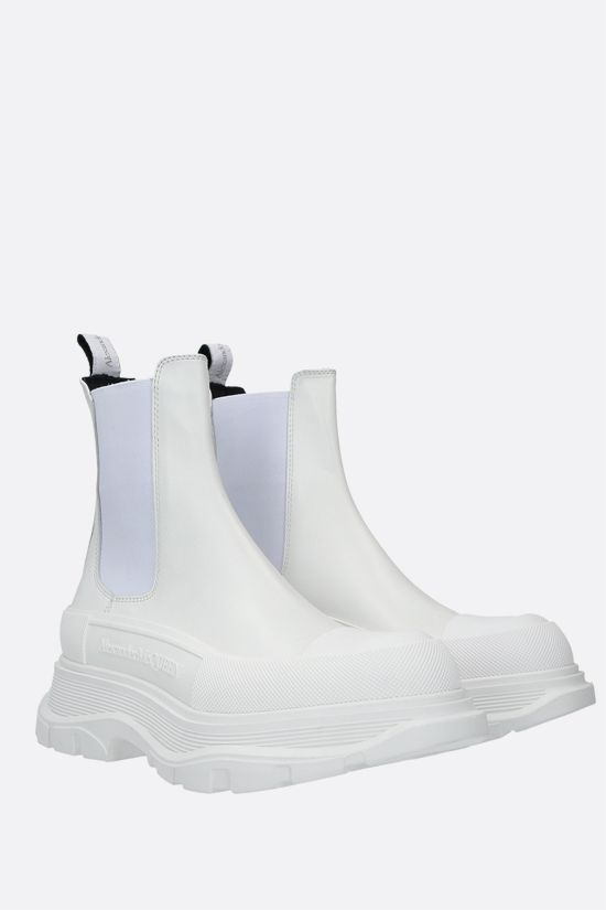 ALEXANDER McQUEEN: Tread smooth leather chelsea boots Color White_2