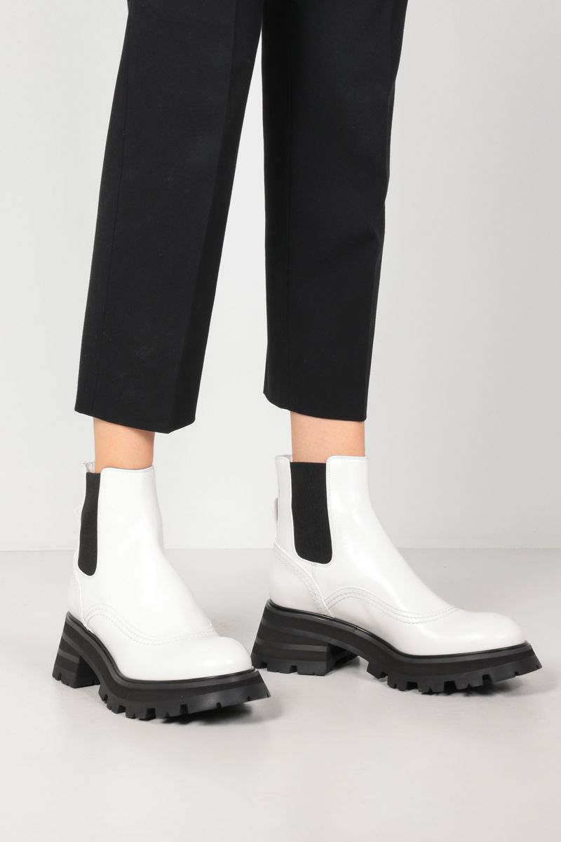 ALEXANDER McQUEEN: shiny leather chelsea boots_2