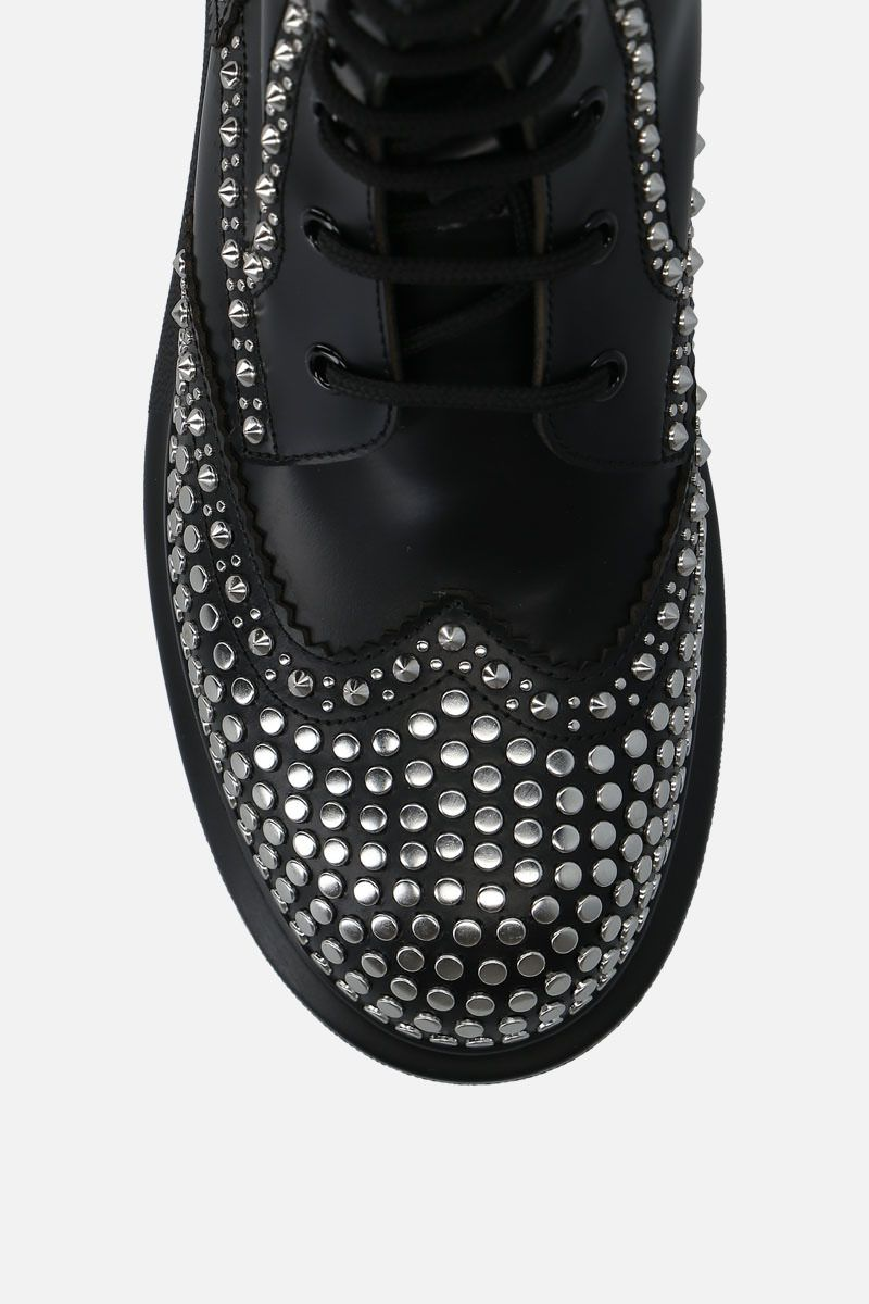ALEXANDER McQUEEN: Hybrid studded leather combat boots Color Black_5