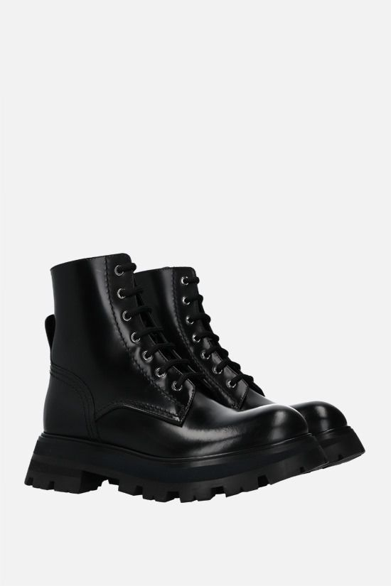 ALEXANDER McQUEEN: Wander brushed leather combat boots Color Black_2