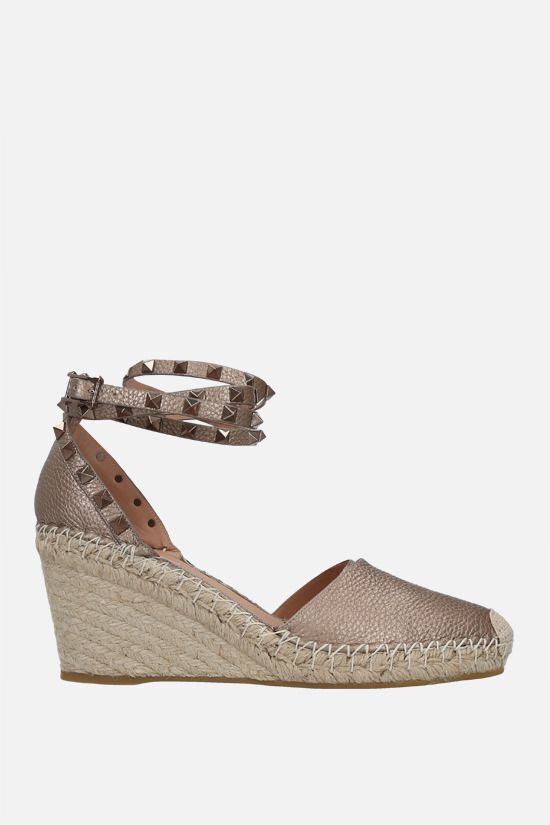VALENTINO GARAVANI: Rokstud Double laminated leather wedge espadrilles Color Neutral_1