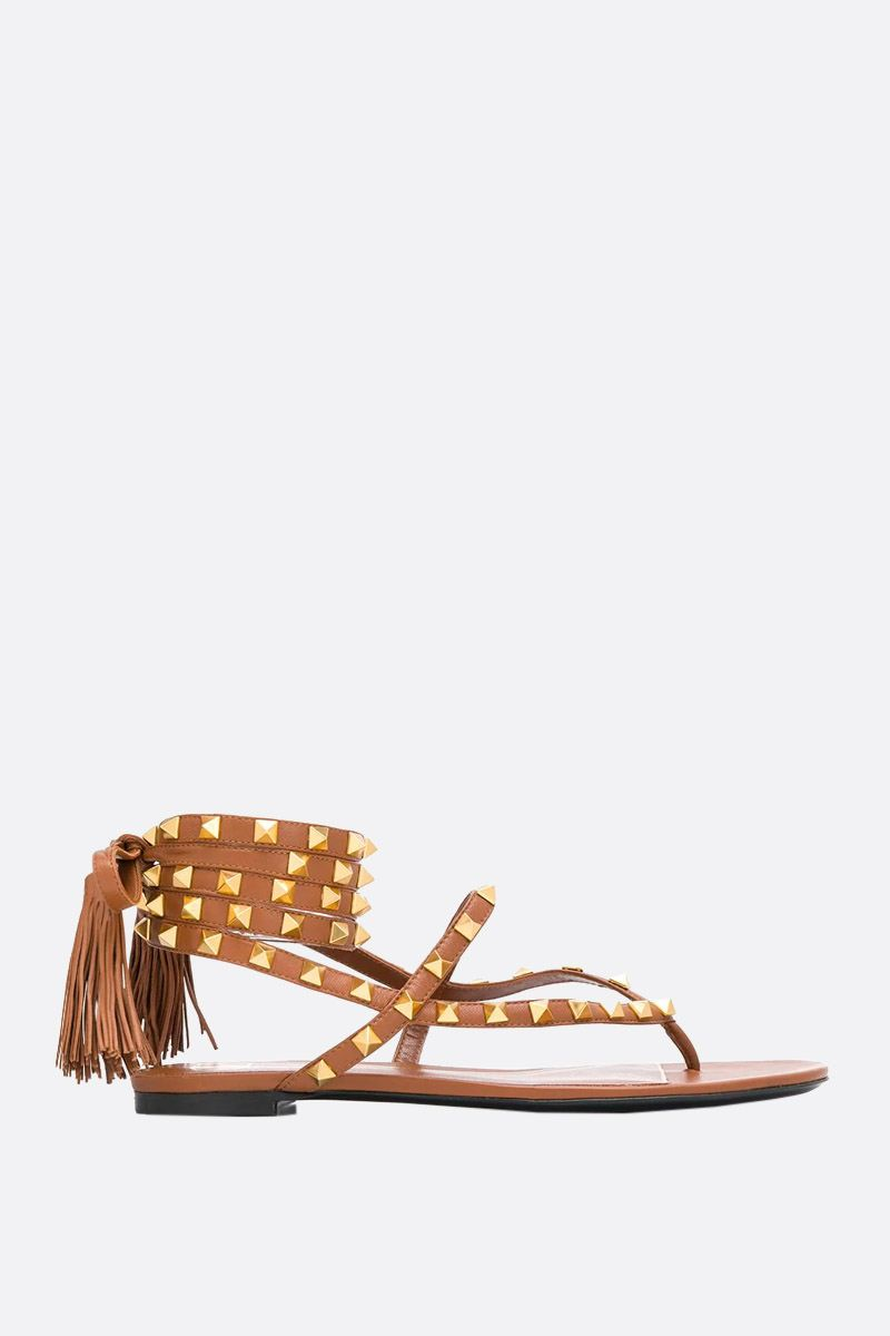 VALENTINO GARAVANI: Rockstud Flair smooth leather thong sandals_1