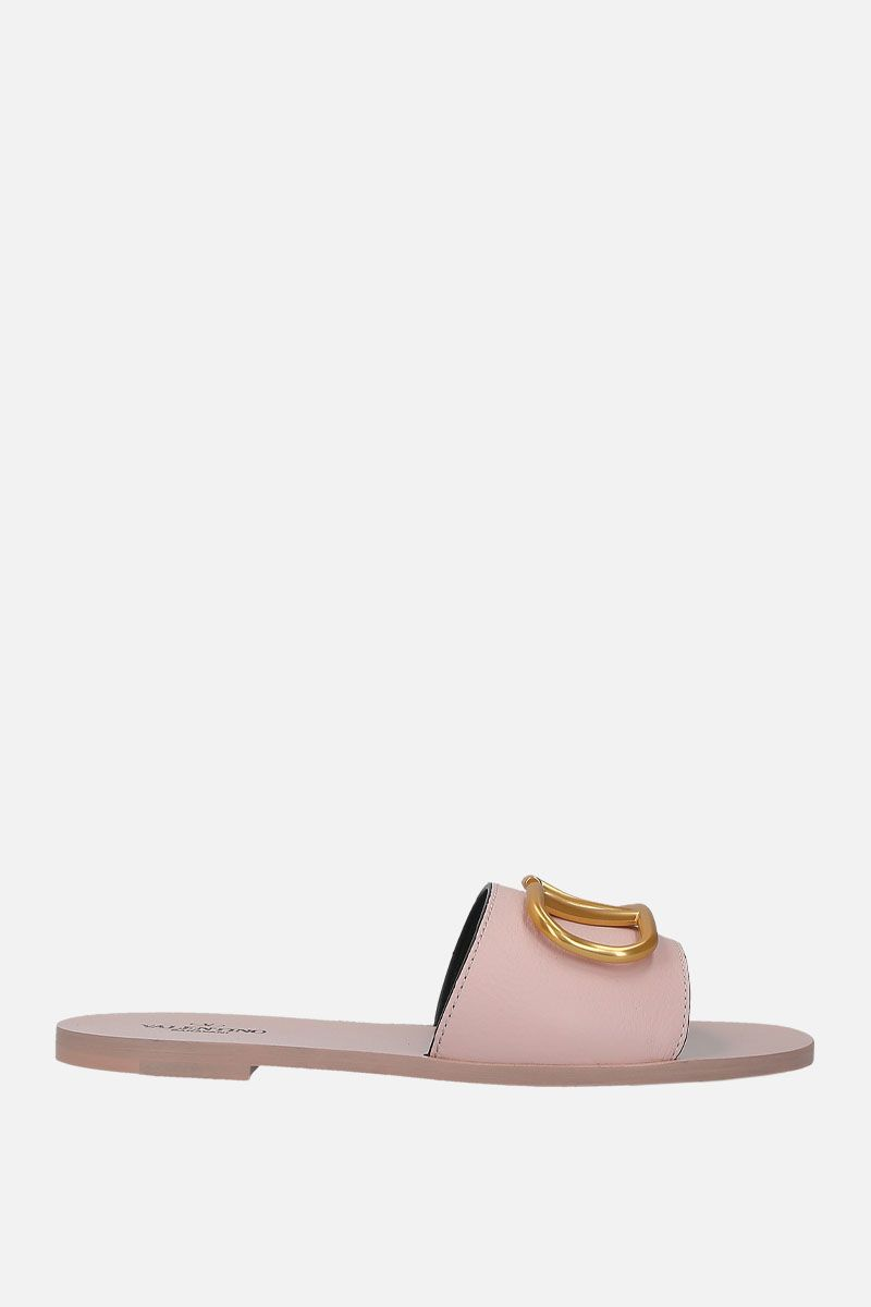 VALENTINO GARAVANI: VLOGO grainy leather flat sandals_1