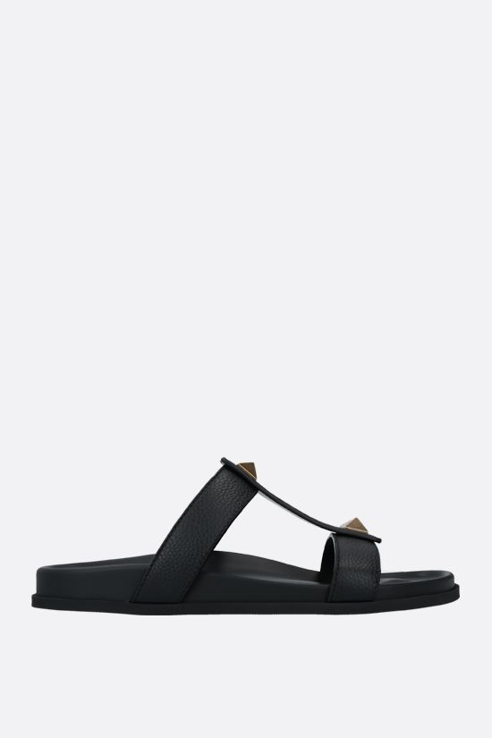VALENTINO GARAVANI: Roman Stud grainy leather slide sandals Color Black_1