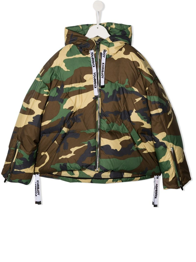 KHRISJOY KIDS: logo-detailed camouflage print nylon down jacket Color Green_1