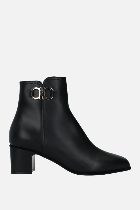 SALVATORE FERRAGAMO: Cassaro smooth leather ankle boots Color Black_1