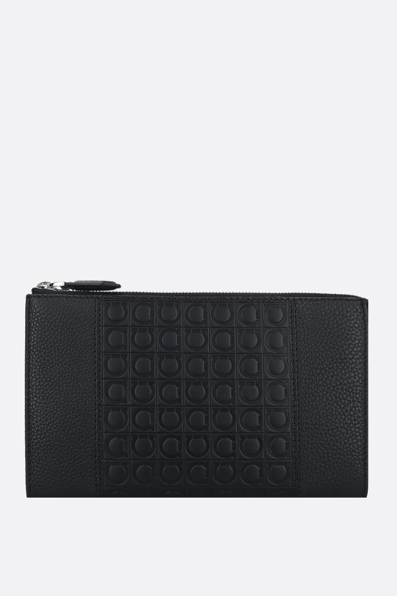 SALVATORE FERRAGAMO: Gancini-detailed grainy leather document holder Color Black_1