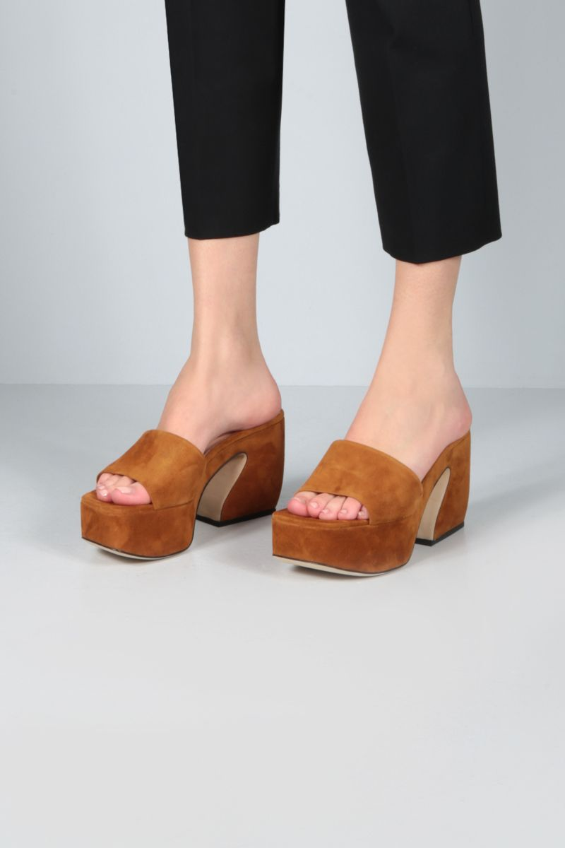 SI ROSSI: SI ROSSI velvet suede mule sandals Color Brown_2