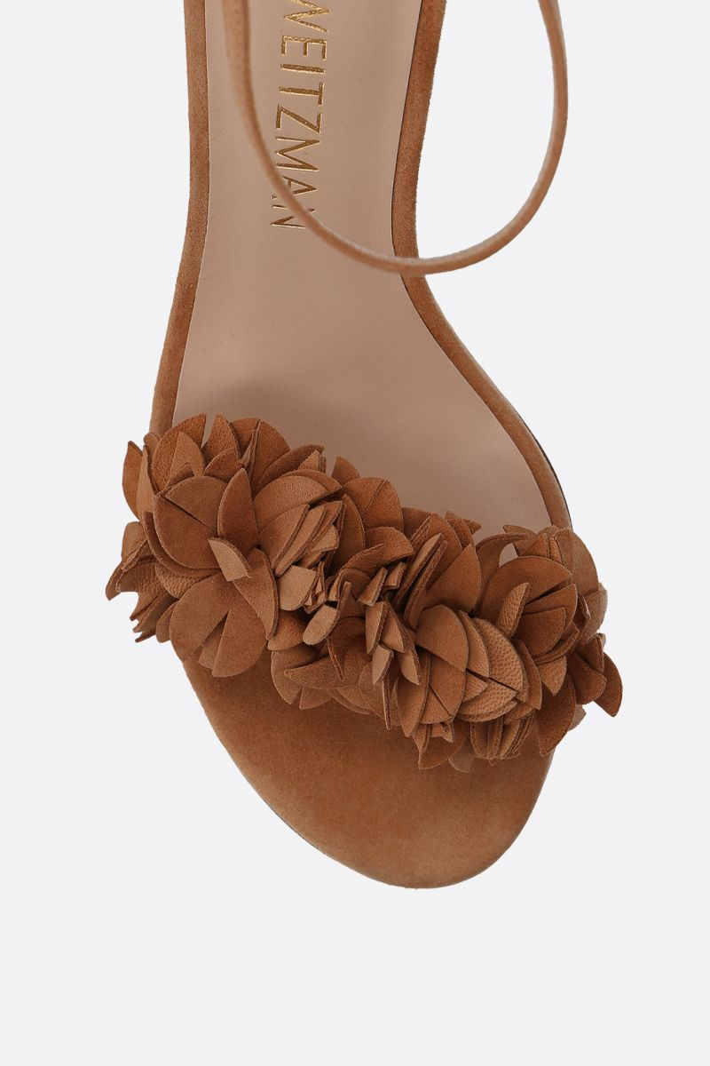 STUART WEITZMAN: Nearlynude Flower suede sandals Color Neutral_4
