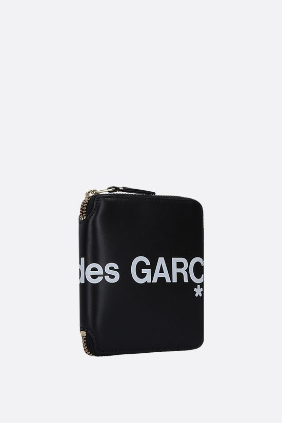 COMME des GARCONS WALLET: logo print smooth leather small zip-around wallet Color Black_3