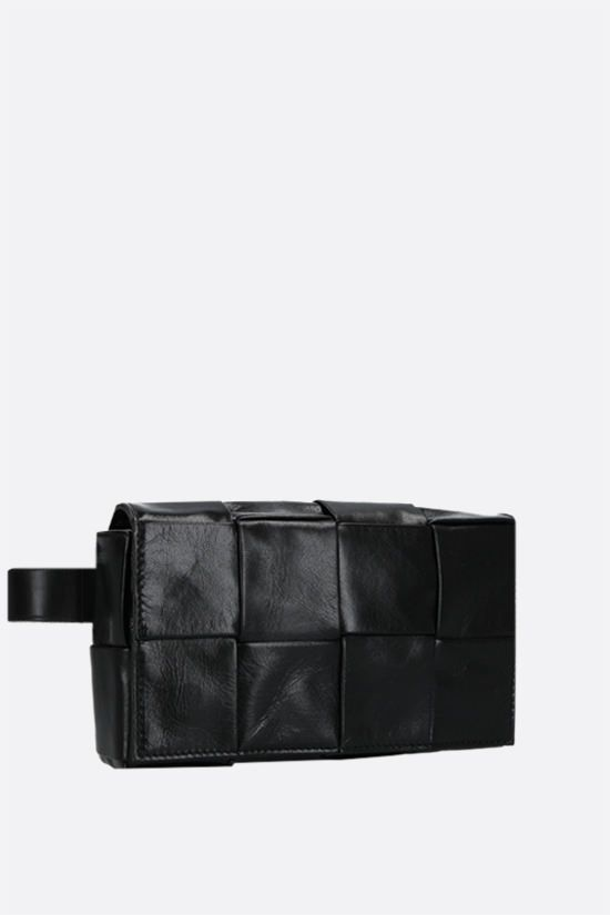 BOTTEGA VENETA: Cassette mini belt bag in Intrecciato Paper Calf Color Black_2
