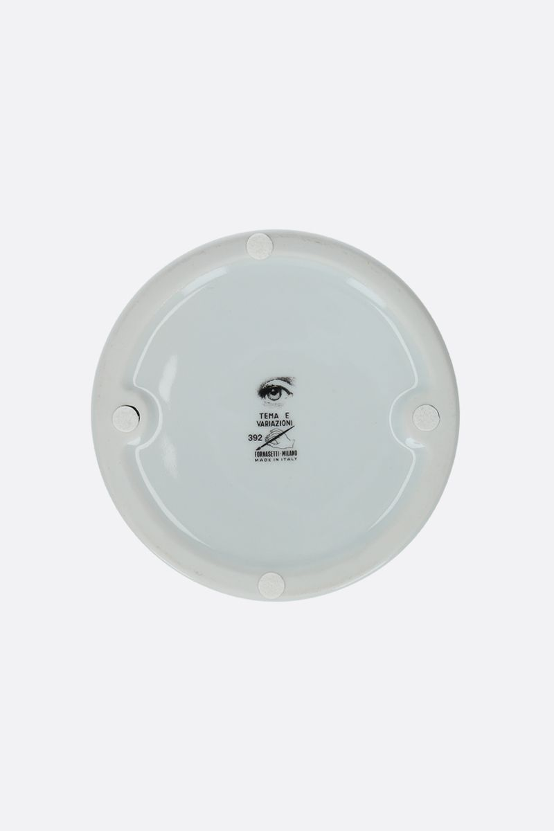 FORNASETTI: Tema e Varizioni N°392 ceramic round ashtray Color White_2