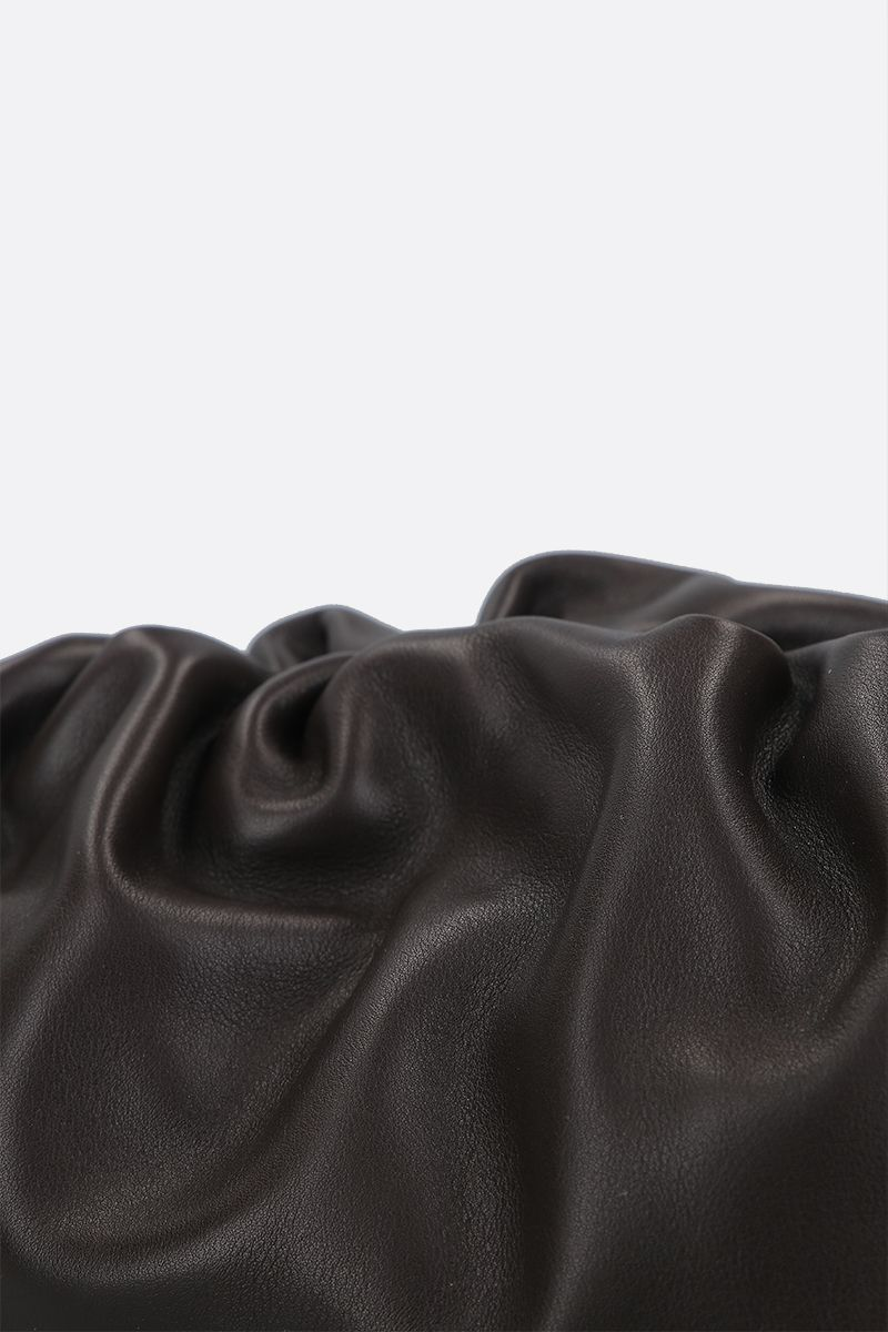 BOTTEGA VENETA: The Chain Pouch smooth leather clutch Color Brown_4