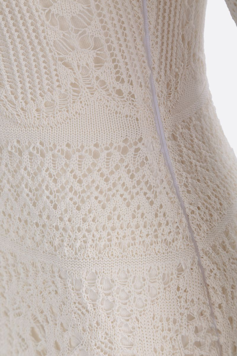 ALEXANDER McQUEEN: engineered lace knitted long dress Color White_4