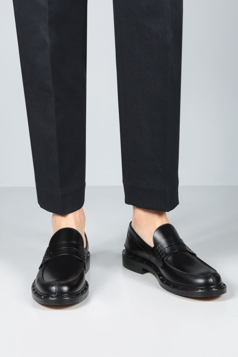 VALENTINO GARAVANI: shiny leather loafers Color Black_2
