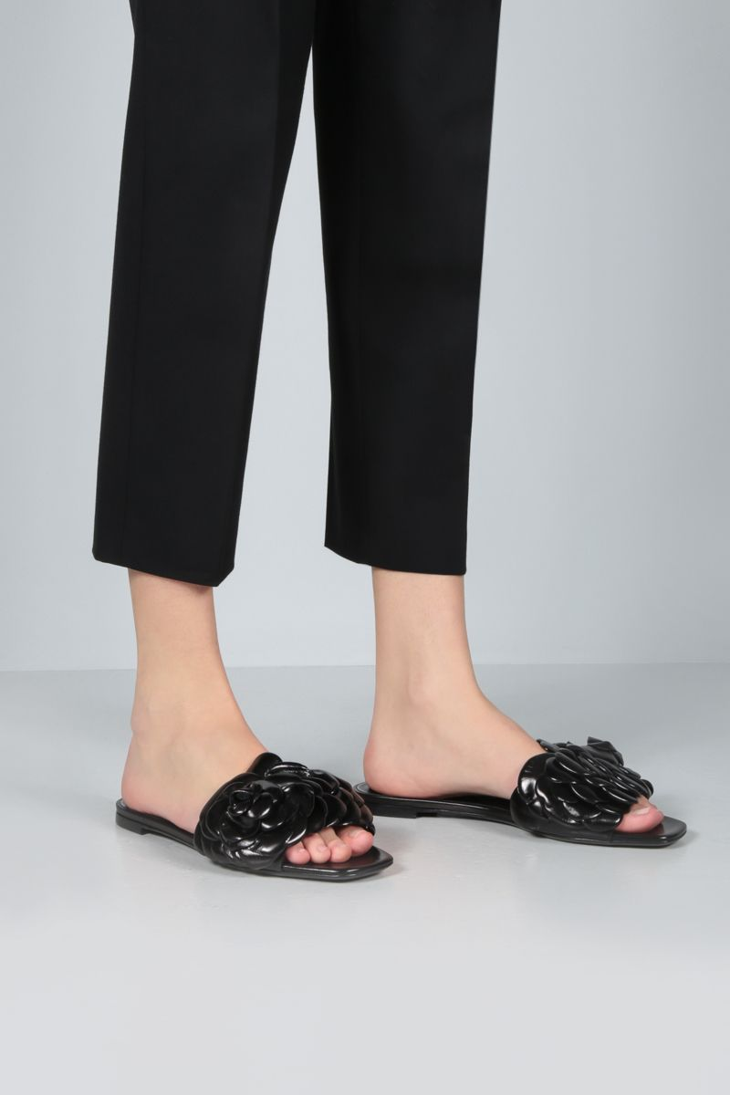 VALENTINO GARAVANI: sandalo slide Atelier Shoes 03 Rose Edition in pelle lucida Colore Nero_2