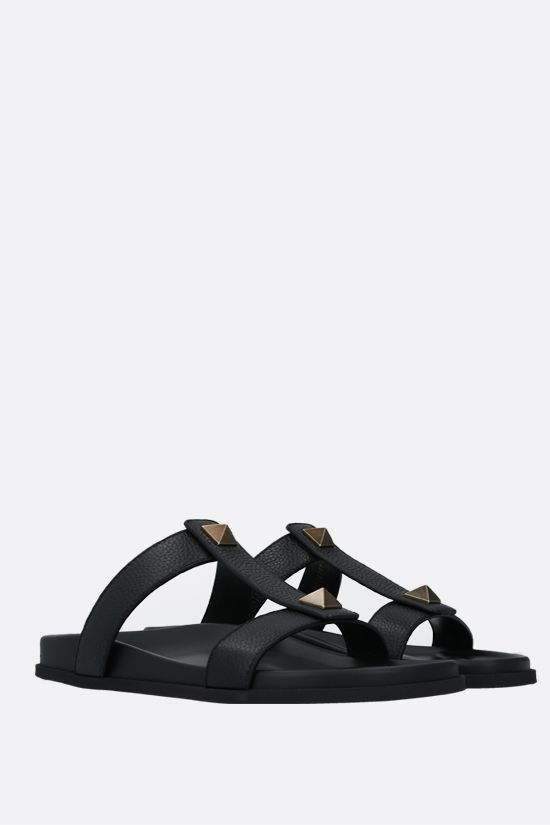 VALENTINO GARAVANI: Roman Stud grainy leather slide sandals Color Black_2