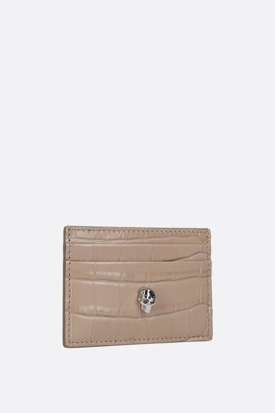 ALEXANDER McQUEEN: Skull-detailed crocodile embossed leather card case Color Neutral_2
